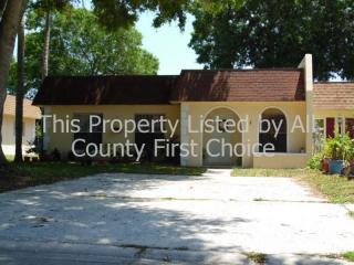 9949 87th St, Seminole, FL 33777
