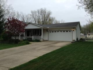 6373 Ridge Plaza Dr, North Ridgeville, OH 44039