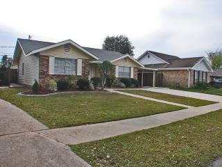 246 River Village Dr, Destrehan, LA 70047