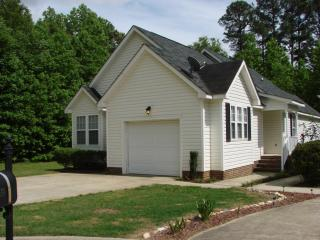 316 Occidental Dr, Holly Springs, NC 27540