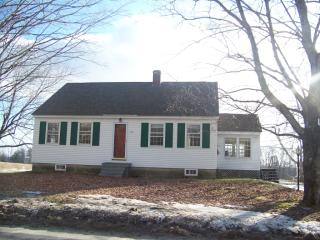 158 Old Lewiston Rd, North Monmouth, ME 04265