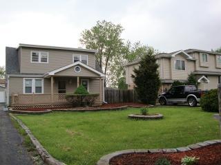 7444 S Thomas Avenue, Bridgeview IL