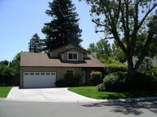 2409 Manor Ct, Sacramento, CA 95864