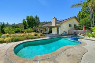 811 Madison Avenue, Escondido CA