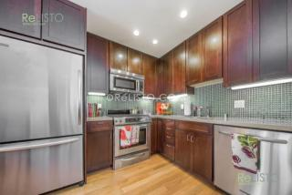 115 Carl St #1, San Francisco, CA 94117