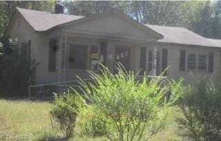 305 Polk St, Taylorsville, NC 28681