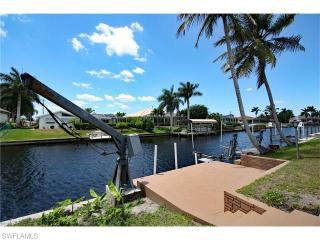 2034 Southeast 14th Terrace, Cape Coral FL