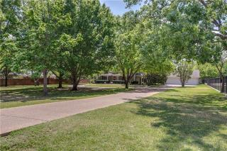 313 Lloyd Circle, Colleyville TX