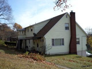 704 13th St, Windber, PA 15963