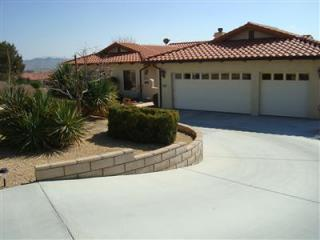26565 Lakeview Dr, Helendale, CA 92342
