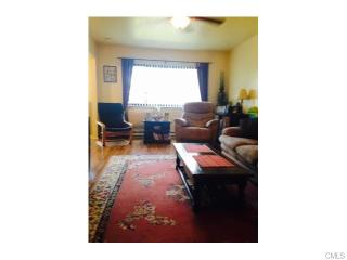 67 Acorn St, Bridgeport, CT 06606