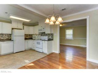 6112 Grayson Ave, Newport News, VA 23605