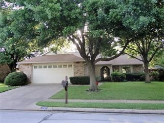 2536 Chinaberry Drive, Bedford TX