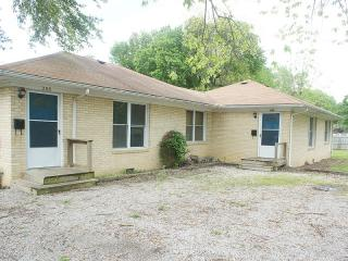 206 W Cleveland St, Pittsburg, KS 66762