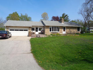 370 North Bobolink Drive, Brookfield WI