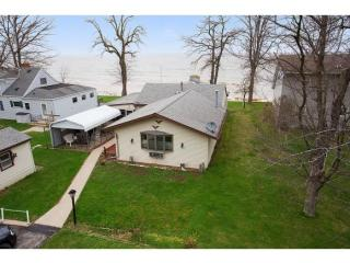 6093 Sunset Shores Road, Luxemburg WI