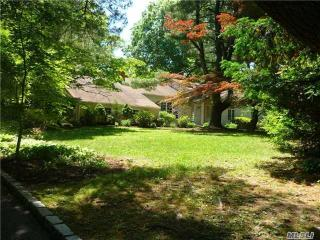 96 Goose Hill Rd, Cold Spring Harbor, NY 11724