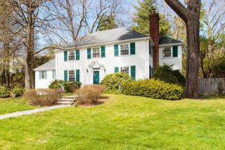25 Old Colony Road, Wellesley MA