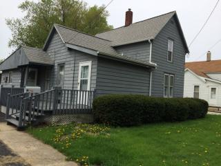 817 W 5th St, Kewanee, IL 61443