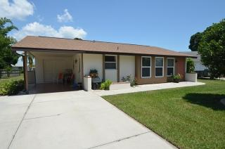 418 Pineview Dr, Venice, FL 34293