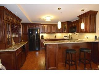 461 Bank St #801, New London, CT 06320