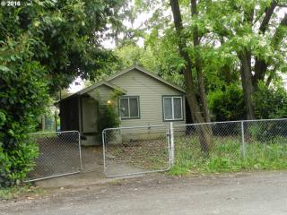 8244 Southeast Sherrett Street, Portland OR