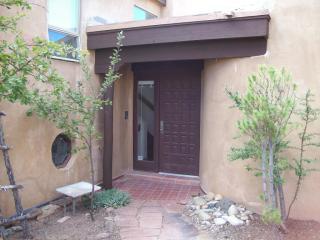662 La Viveza Ct, Santa Fe, NM 87501