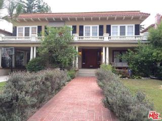 1751 Buckingham Rd, Los Angeles, CA 90019