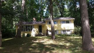 13 Forest Ln, Gales Ferry, CT 06335