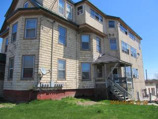131 College Ave #2, Waterville, ME 04901