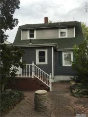 588 Merrick Rd, Lynbrook, NY 11563