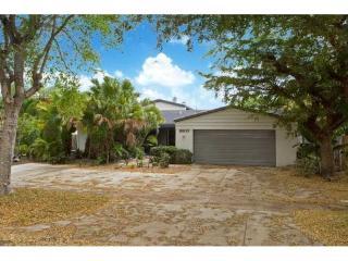 8600 Dalkeith Lane, Miami Lakes FL