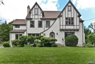 386 Mountain Ave, Ridgewood, NJ 07450