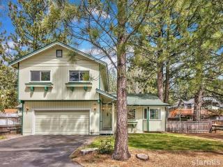 907 Candlewood Drive, South Lake Tahoe CA