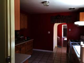 842 Weeks St #1 FLOOR HOUS, East Palo Alto, CA 94303