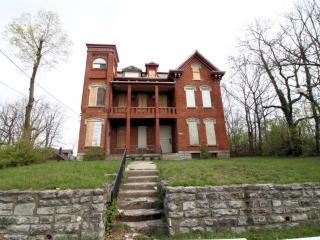 608-610 Crown Street, Cincinnati OH