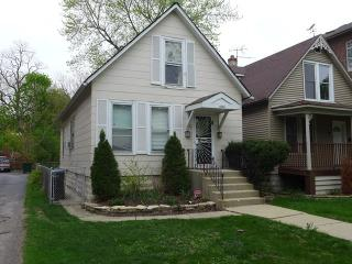 10356 South Walden Parkway, Chicago IL