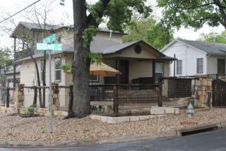 218 Fletcher St, Austin, TX 78704