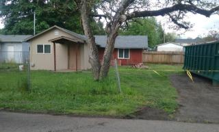 355 Log Cabin St, Independence, OR 97351