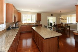 24 Chancellor Way, Long Valley, NJ 07853