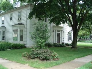 354 Ferson Ave, Iowa City, IA 52246