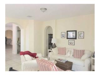 2812 Kinsington Cir #284, Weston, FL 33332