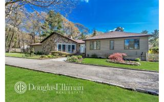 5 Indian Hill Court, Dix Hills NY