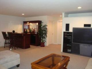 3003 King Ct, Green Brook, NJ 08812