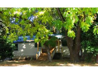 5996 Hayhurst Road, Yoncalla OR
