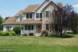 1529 Buttercup Dr, Chambersburg, PA 17202