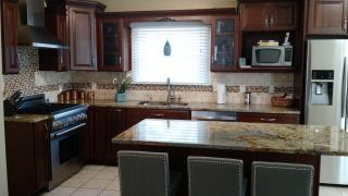 1497 Rockland Ave, Rocky River, OH 44116