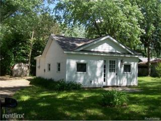3075 Arbutus St, Commerce Township, MI 48382