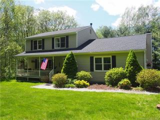 107 Yorktown Lane, Naugatuck CT