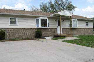 1206 Beverly St, Emporia, KS 66801